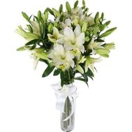 21 white lily - flowers and bouquets on roza.kharkov.ua