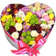 Box heart with flowers and macaroons - flowers and bouquets on roza.kharkov.ua