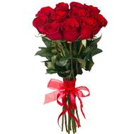 Red imported roses in a bouquet - flowers and bouquets on roza.kharkov.ua