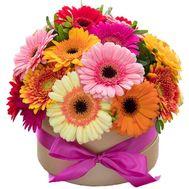Пёстрый букет в коробке - цветы и букеты на roza.kharkov.ua