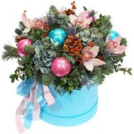 A fabulous Christmas box with flowers - flowers and bouquets on roza.kharkov.ua
