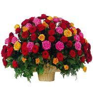 Большая корзина роз - цветы и букеты на roza.kharkov.ua