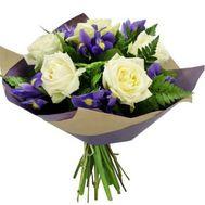 Букет из ирисов и белых роз - цветы и букеты на roza.kharkov.ua