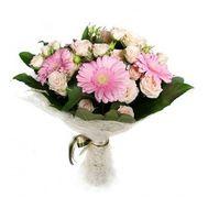 Букет из кустовых роз и гербер - цветы и букеты на roza.kharkov.ua