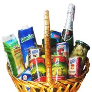 Basket of products for gift - flowers and bouquets on roza.kharkov.ua