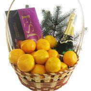Подарочная корзина с шампанским - цветы и букеты на roza.kharkov.ua