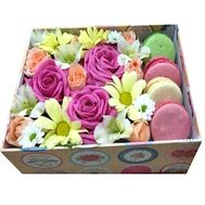 Assorted bouquet in a square box - flowers and bouquets on roza.kharkov.ua